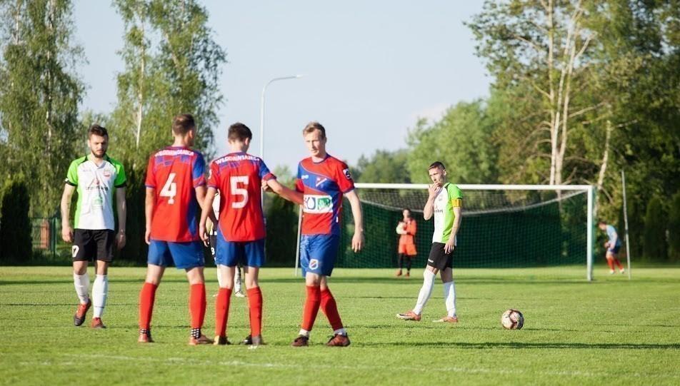 Grad goli w ligowym meczu Włodawianki z Huczwą