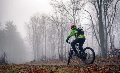 Rodzaje oświetlenia rowerowego – co wybrać na zimę?
